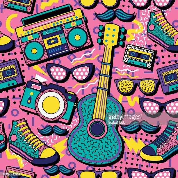 ilustraciones, imágenes clip art, dibujos animados e iconos de stock de un colorido diseño de póster retro con una caja de pluma, guitarra, cámara, entrenadores y gafas de sol sobre un fondo geométrico vívido, diseño, ilustración vectorial - música pop