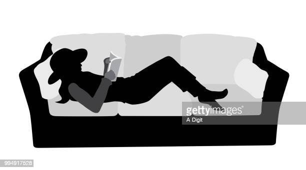 illustrations, cliparts, dessins animés et icônes de lecture confortable canapé - cours d'orthographe