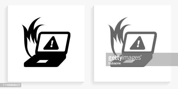 stockillustraties, clipart, cartoons en iconen met computer oververhitting zwart en wit vierkant pictogram - foutmelding