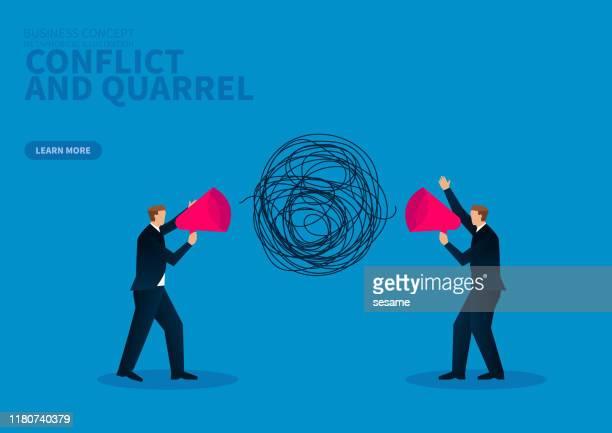 konflikt und streit: zwei geschäftsleute halten megafone in der hand - unordentlich stock-grafiken, -clipart, -cartoons und -symbole