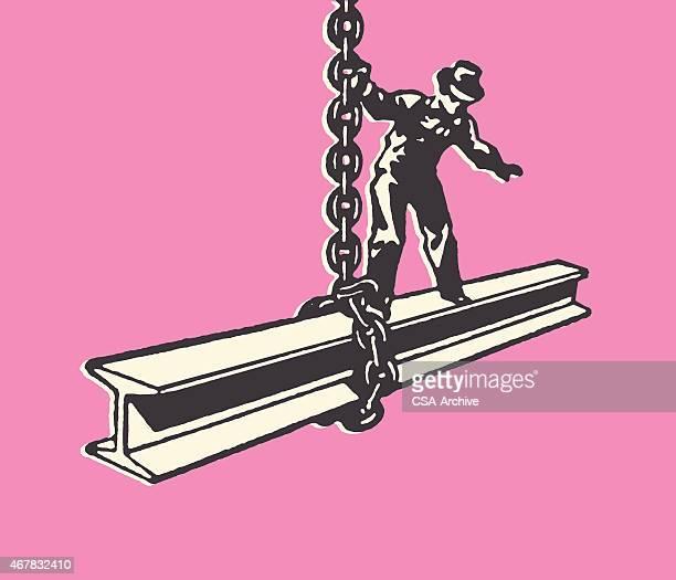 Bauarbeiter auf hängenden Stahl Beam