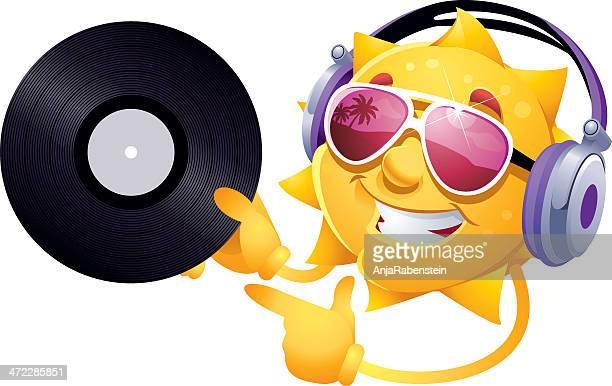 ilustraciones, imágenes clip art, dibujos animados e iconos de stock de tonos personajes de dibujos animados de sol gafas de sol con auriculares y registro de almacenamiento - sol en la cara