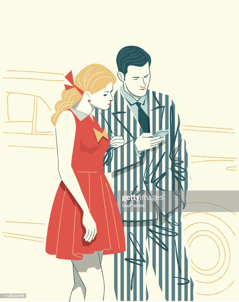 couple watching the cell phone