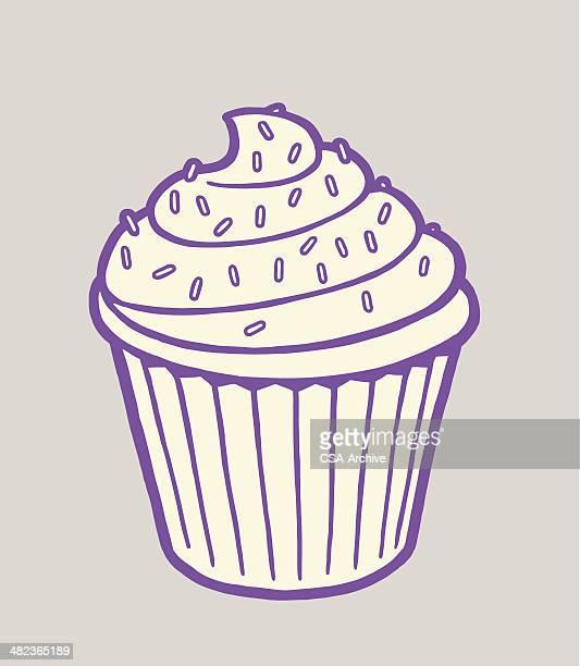 ilustrações, clipart, desenhos animados e ícones de cupcake com confeitos em cima - bolinho