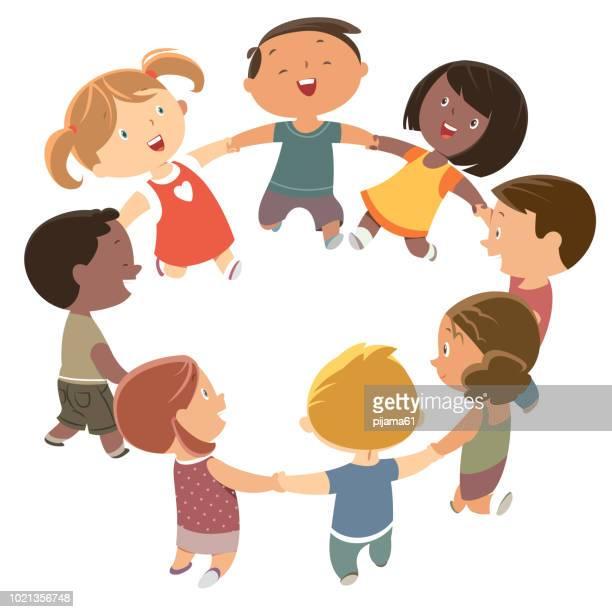 ilustrações, clipart, desenhos animados e ícones de lindos filhos de mãos dadas e dançar - união
