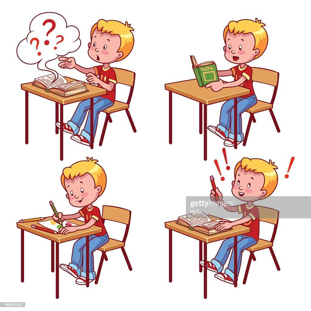 Süße schoolboy hinter einer Schule Schreibtisch : Vektorgrafik