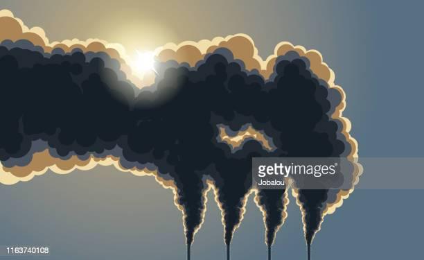 ilustrações, clipart, desenhos animados e ícones de fumo escuro da poluição das chaminés - vapor forma da água