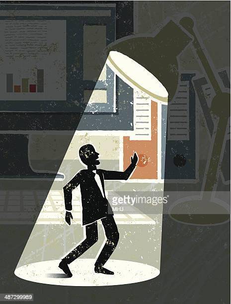 ilustraciones, imágenes clip art, dibujos animados e iconos de stock de el ordenador de sobremesa, lámpara, ejecutivo y spotlight - actor