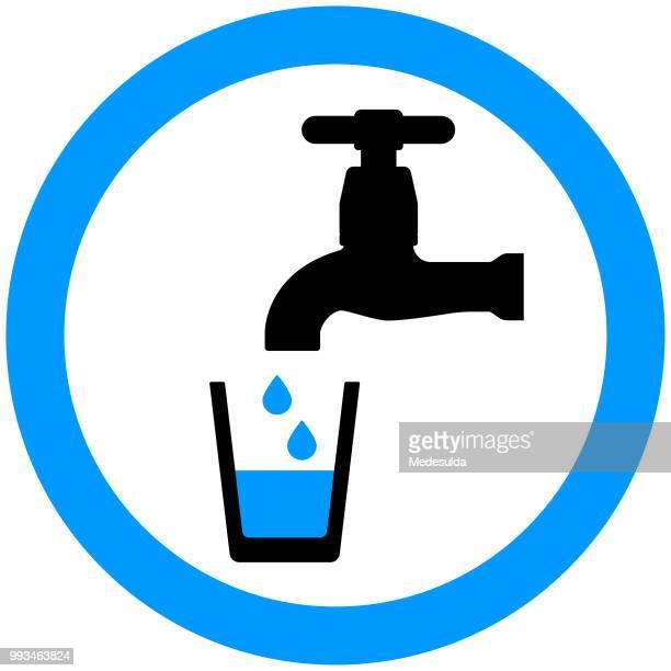 ilustraciones, imágenes clip art, dibujos animados e iconos de stock de grifo de agua potable icono símbolo vector - agua potable