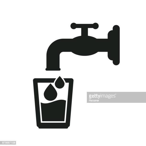 ilustraciones, imágenes clip art, dibujos animados e iconos de stock de agua potable - agua potable