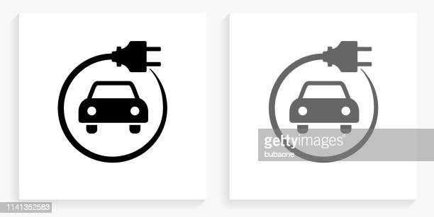 ilustraciones, imágenes clip art, dibujos animados e iconos de stock de coche eléctrico icono cuadrado blanco y negro - vehículo eléctrico