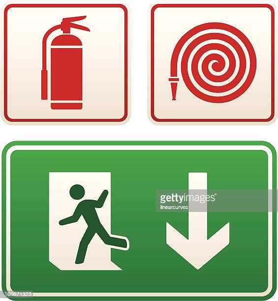 ilustrações, clipart, desenhos animados e ícones de sinais de emergência: sinal de saída, extintor de incêndio e mangueiras - placa