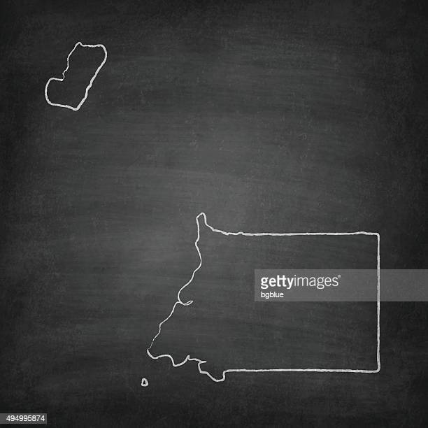 stockillustraties, clipart, cartoons en iconen met equatorial guinea map on blackboard - chalkboard - bloco