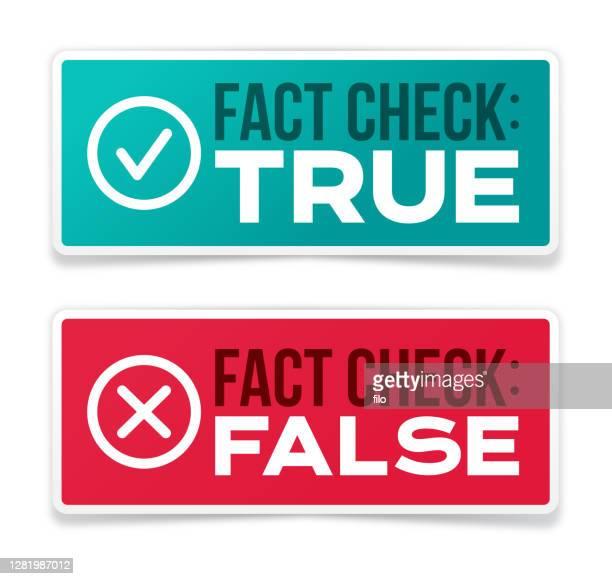 ilustraciones, imágenes clip art, dibujos animados e iconos de stock de comprobación de hechos de las insignias de información verdaderas y falsas - falso