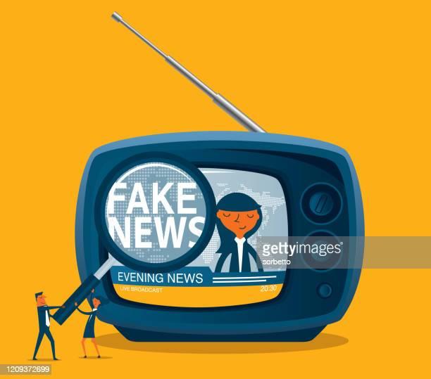 ilustrações, clipart, desenhos animados e ícones de fake news - tv - fake news
