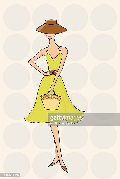 Femme à la mode en robe bain de soleil
