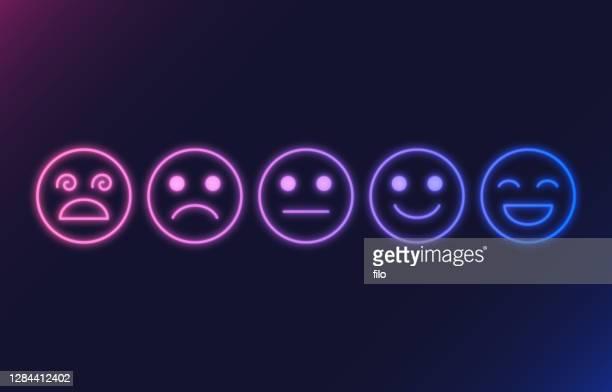 stockillustraties, clipart, cartoons en iconen met feedback rating gezichten gloeiende neon - feedback
