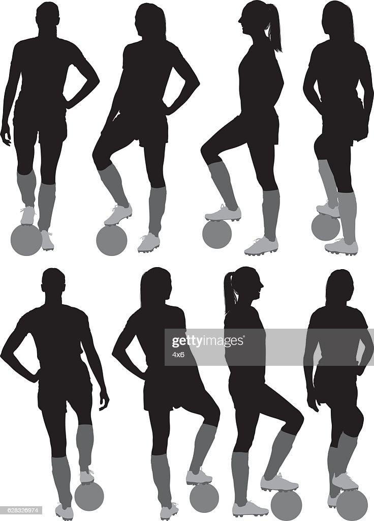 Femme Debout Joueur De Football Clipart Vectoriel Getty Images