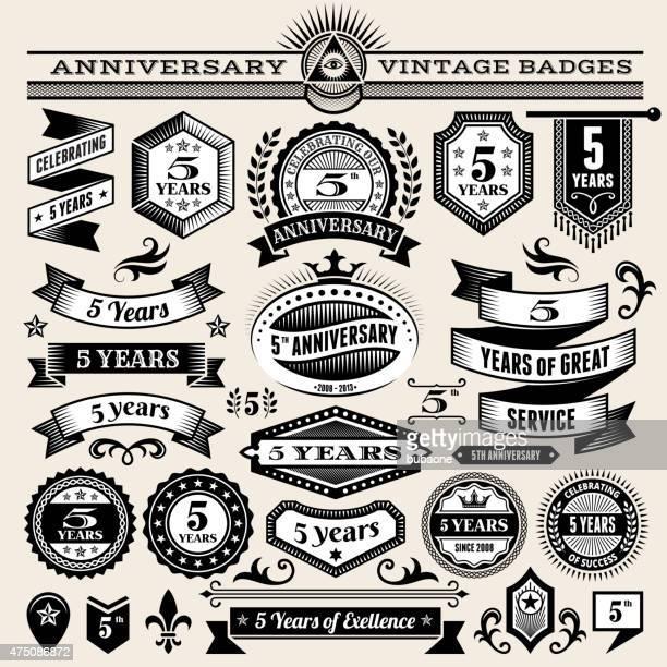 Cinco Ano de Aniversário mão-extraídas royalty free vector fundo do papel