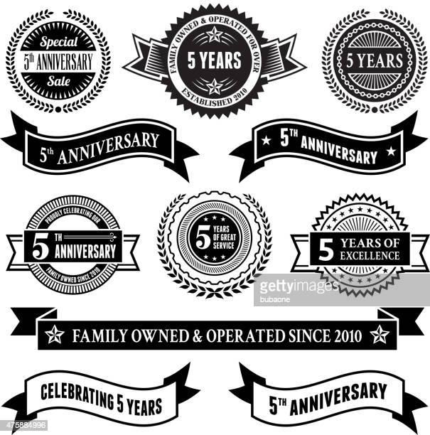 Cinco Ano de Aniversário vector conjunto de emblema de vetor de fundo royalty free