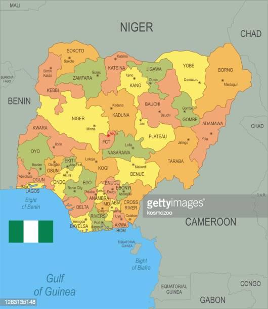 illustrations, cliparts, dessins animés et icônes de carte plate du nigeria avec le drapeau - nigeria