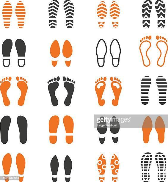 illustrations, cliparts, dessins animés et icônes de foot print icon set - empreinte de pas