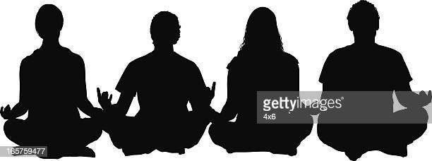 ilustraciones, imágenes clip art, dibujos animados e iconos de stock de cuatro jóvenes cruce patas meditando - bienestar