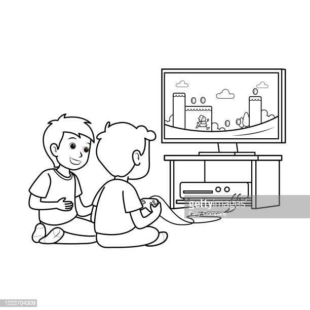 ilustraciones, imágenes clip art, dibujos animados e iconos de stock de entretenimiento de juegos y ocio. ilustración vectorial plana. dos niños sentados en la pantalla de televisión jugando a un videojuego de consola junto con controladores de gamepad. personajes de dibujos animados de los jugadores de los niños. - familia viendo tv