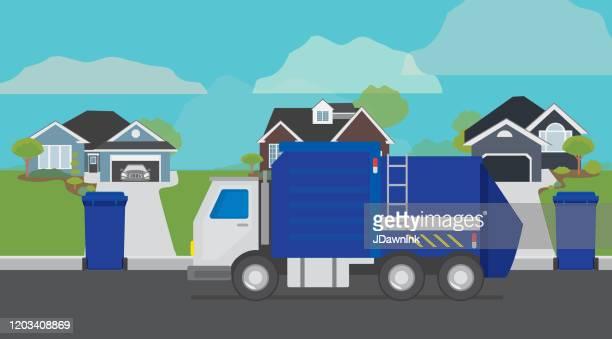 stockillustraties, clipart, cartoons en iconen met de vrachtwagen die van het huisvuil kan van het huisvuil op een woonvoorstedelijke straat opheffen - stadsdeel