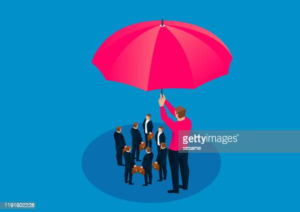 illustrazioni stock, clip art, cartoni animati e icone di tendenza di gigante in possesso di un grande ombrello per proteggere un gruppo di piccoli imprenditori - sicurezza di sé