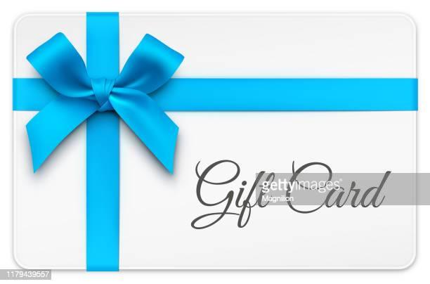 geschenkkarte mit blauer schleife - geschenk stock-grafiken, -clipart, -cartoons und -symbole