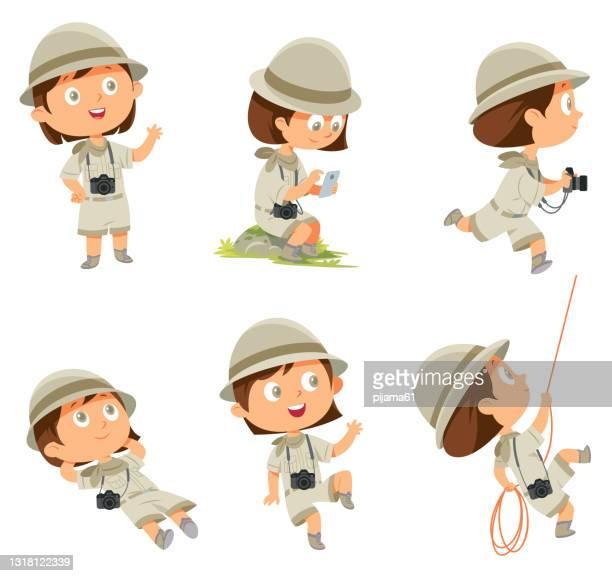 ilustraciones, imágenes clip art, dibujos animados e iconos de stock de chica con uniforme scout en muchas poses sobre blanco - exploración