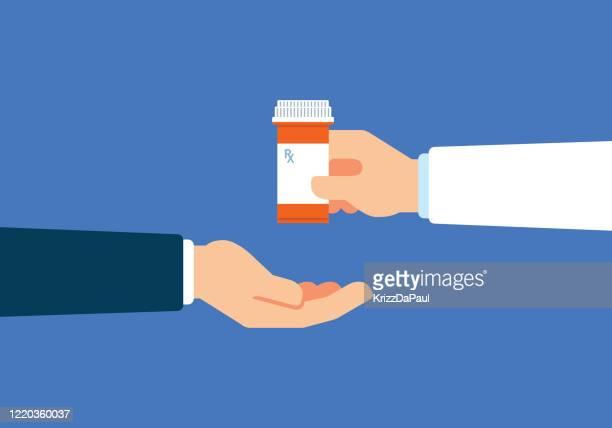 illustrazioni stock, clip art, cartoni animati e icone di tendenza di dare medicina - farmacia