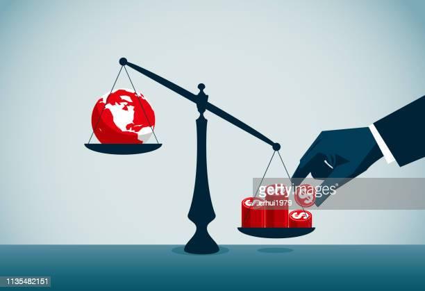 ilustraciones, imágenes clip art, dibujos animados e iconos de stock de negocio global - balanzas de la justicia