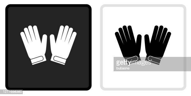 ilustraciones, imágenes clip art, dibujos animados e iconos de stock de icono de los guantes goalie en el botón negro con el rollover blanco - guantes de portero