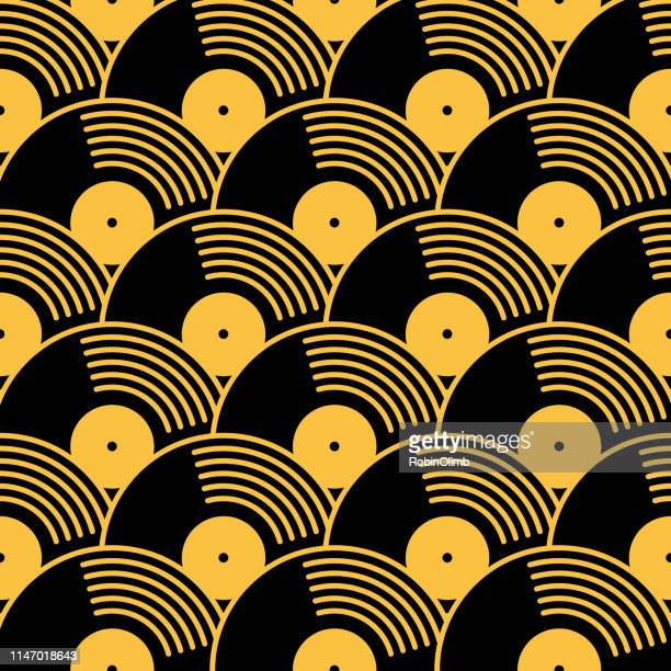 stockillustraties, clipart, cartoons en iconen met goud en zwart vinyl records naadloze patroon - muziek