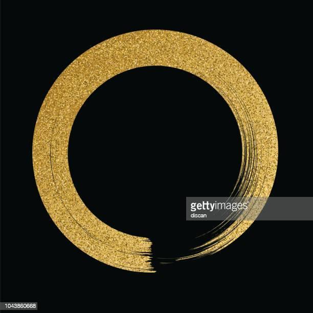 ilustraciones, imágenes clip art, dibujos animados e iconos de stock de círculo oro brillo textura pincel sobre fondo negro - gold colored