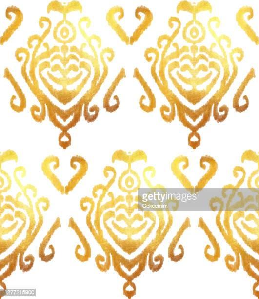 ゴールドホイル手塗装メタリックタイル。シームレスなイカットパターン。ベクタータイルパターン、ボヘミアンスタイルシームレスゴールドカラーオーナメント。ジプシー、インドの伝統� - イカット点のイラスト素材/クリップアート素材/マンガ素材/アイコン素材