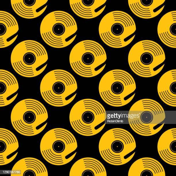 ilustraciones, imágenes clip art, dibujos animados e iconos de stock de patrón sin costuras de la mesa giratoria gold record - música pop