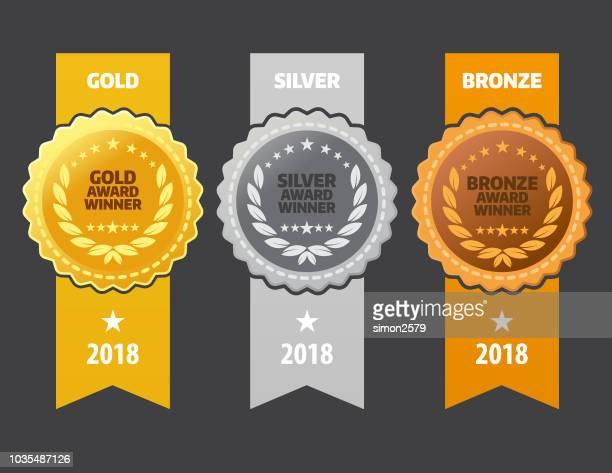 stockillustraties, clipart, cartoons en iconen met winnaar van de gouden, zilveren en bronzen medailles - bronzen medaillewinnaar