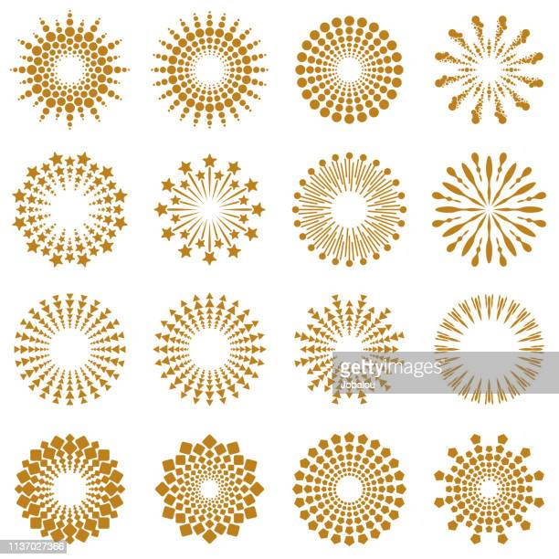 illustrazioni stock, clip art, cartoni animati e icone di tendenza di golden geometric burst rays collection - riflesso sull'obiettivo