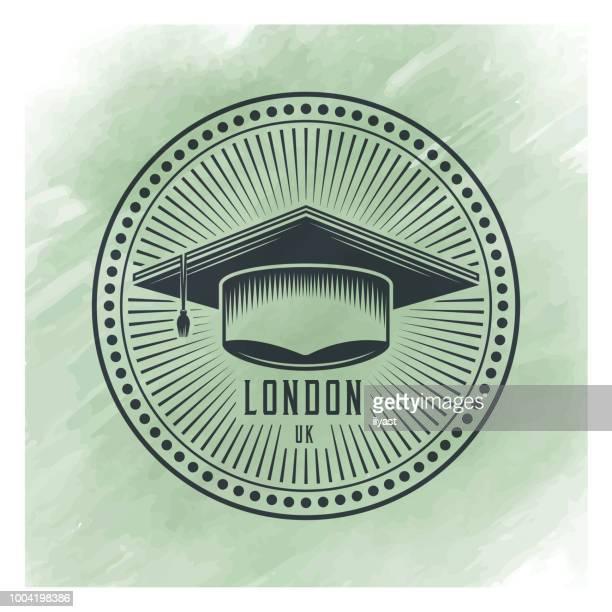 ilustraciones, imágenes clip art, dibujos animados e iconos de stock de fondo acuarela de la insignia de graduación - birrete