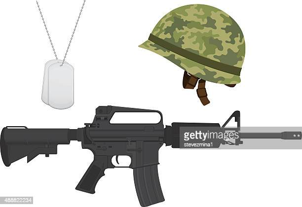 Camouflage vert militaire casque, Machine Gun, un Dog Tags