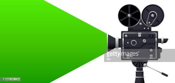 ilustraciones, imágenes clip art, dibujos animados e iconos de stock de cámara de película de pantalla verde - estreno