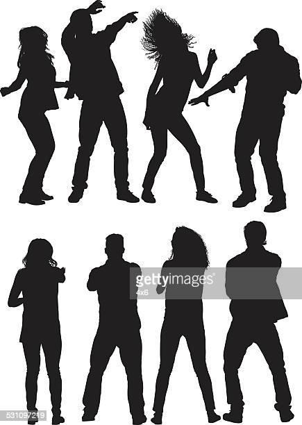 Gruppe von Freunden, tanzen