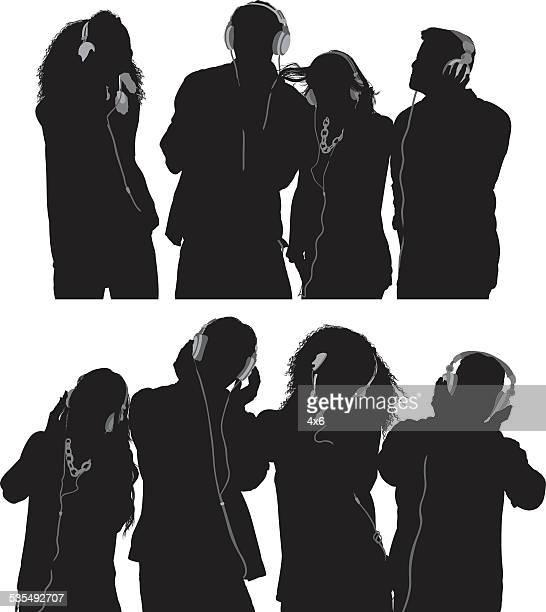 ilustrações, clipart, desenhos animados e ícones de grupo de amigos ouvindo música - escutando