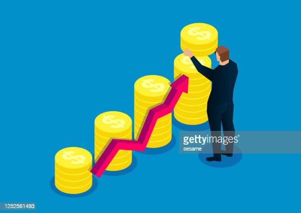 illustrazioni stock, clip art, cartoni animati e icone di tendenza di business in crescita, aumento dell'altezza delle pile di monete d'oro, uomini d'affari di successo - professione finanziaria