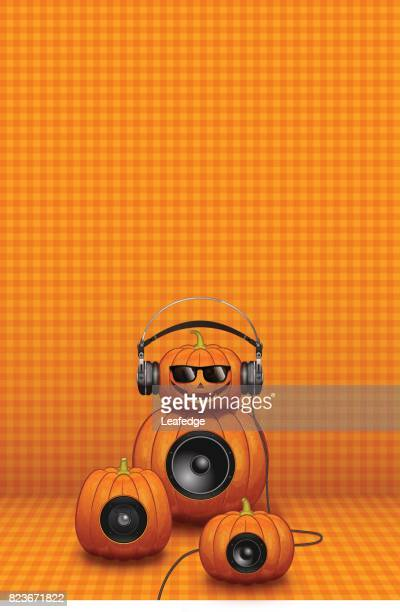 halloween background [jack o' lantern with the headphone and speakers] - entusiástico stock illustrations