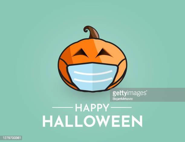 halloween-hintergrund mit kürbis tragen maske. vektor - mundschutz stock-grafiken, -clipart, -cartoons und -symbole