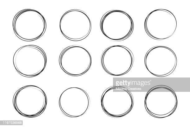 illustrazioni stock, clip art, cartoni animati e icone di tendenza di hand drawn circle sketch set - cerchio